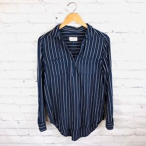 Universal Thread   Navy Striped Pull Over Blouse S